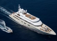 yacht luerssen Coral Ocean running ©Jeff-Brown