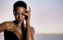 Rihanna wearing the RIHANNA ♥ CHOPARD Joaillerie collection