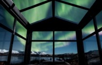 Panorama Glass Logde and igloo iceland aurore
