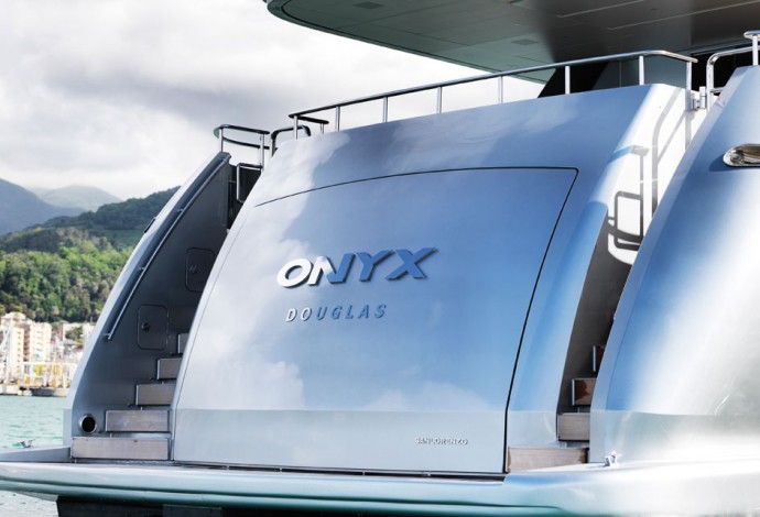 L'Onyx yacht for sale 9.9 millions euro