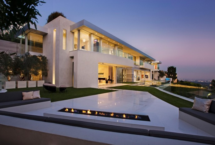 16 must see villas in los angeles for Villa de luxe design
