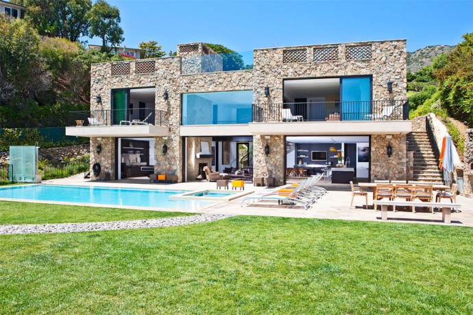 Malibu beach the 20 must see luxury villas for City beach house by 4d designs