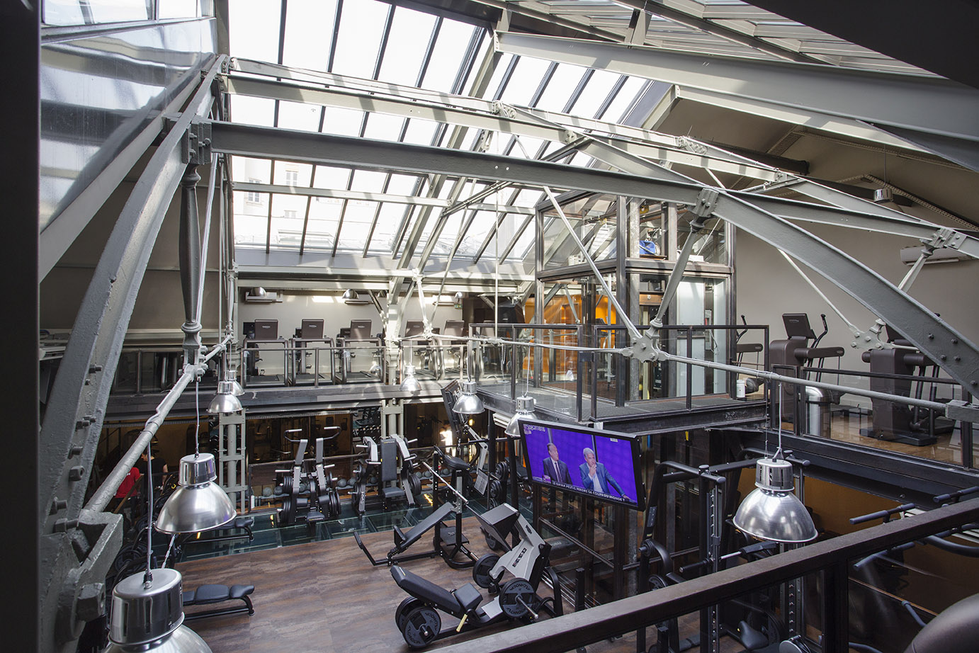 The 10 best places to work out in paris luxury design for Design paris