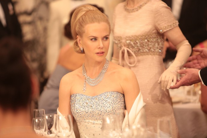 Grace of Monaco Nicole Kidman porte le collier trois rangs de diamants