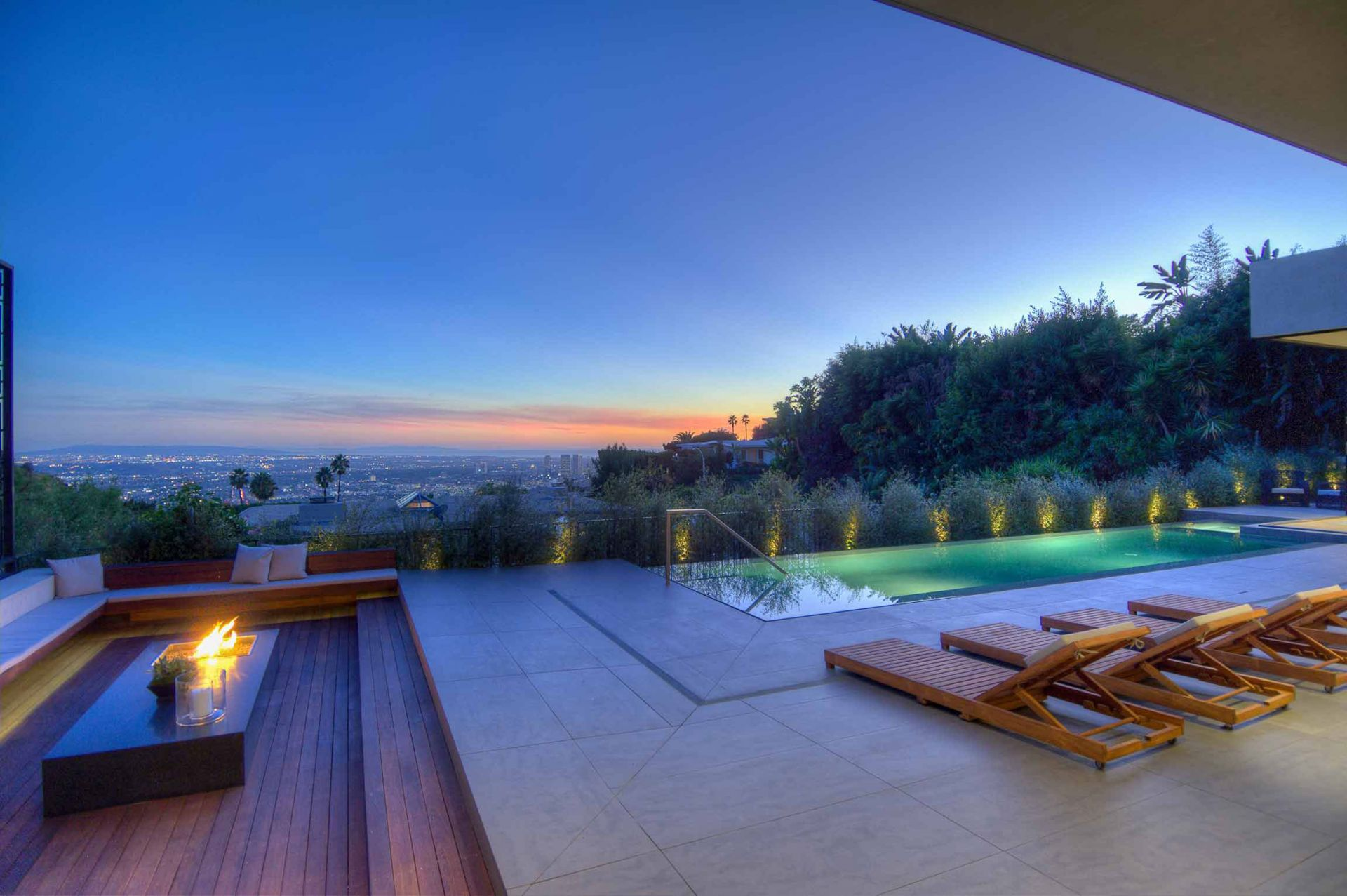 16 must see villas in los angeles for Most luxurious hotel in los angeles