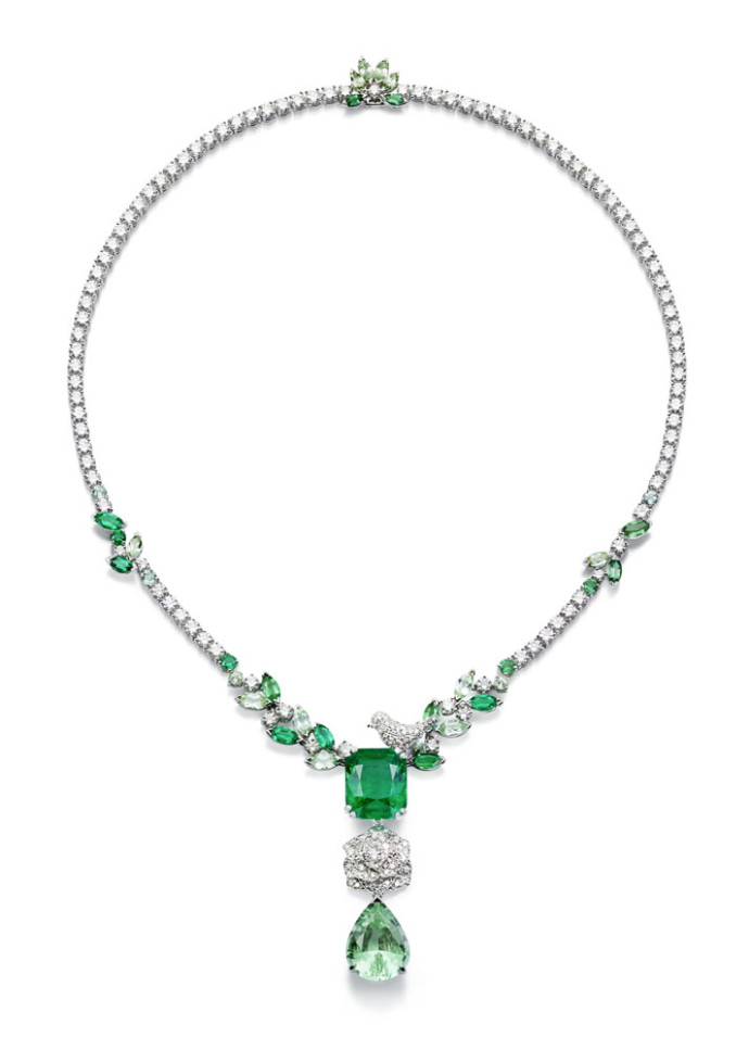 Rose day Piaget  collier emeraude