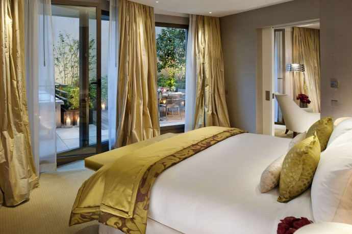 Mandarin Oriental Palace paris-suite-premier-suite-bedroom