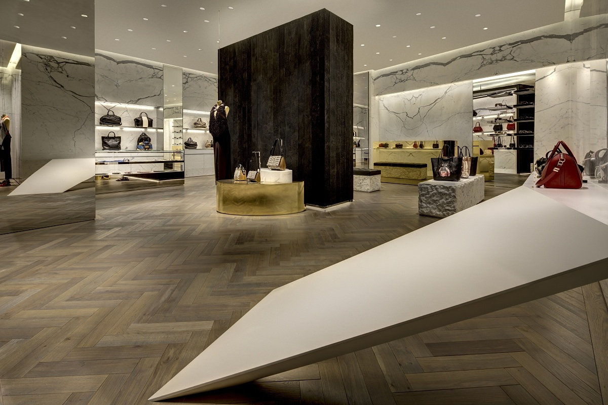 Souvent The first Givenchy flagship store in Japan CF38