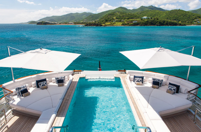 The 10 most gorgeous yachts swimming pools