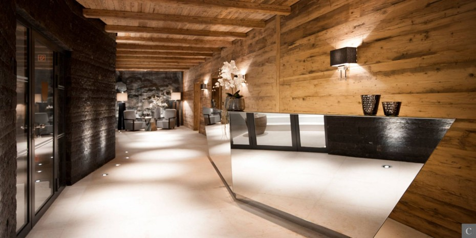 Le Collectionist Chalet Carl lobby