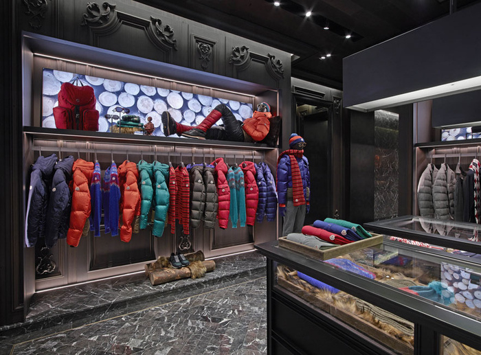 moncler paris champs elysees