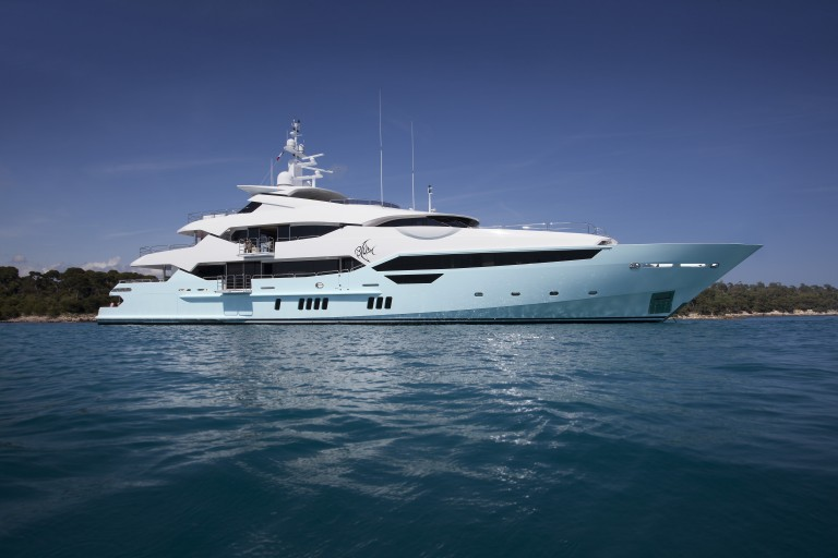 THE SUNSEEKER 155 Yacht