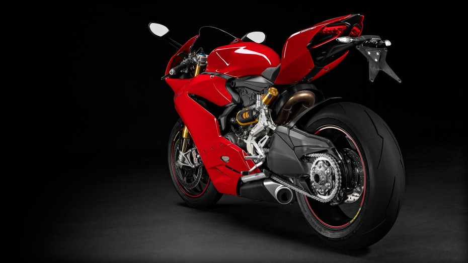 SBK-1299-Panigale-S_2015_Studio_R_F01_1920x1080.mediagallery_output_image_[1920x1080]