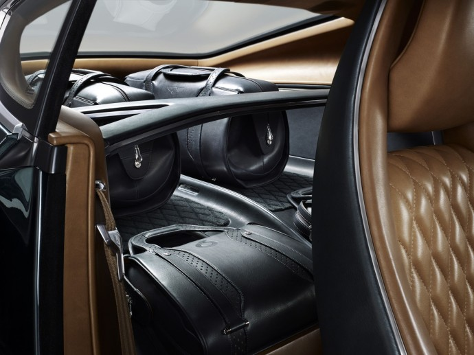 EXP 10 Speed 6 - Rear Compartment