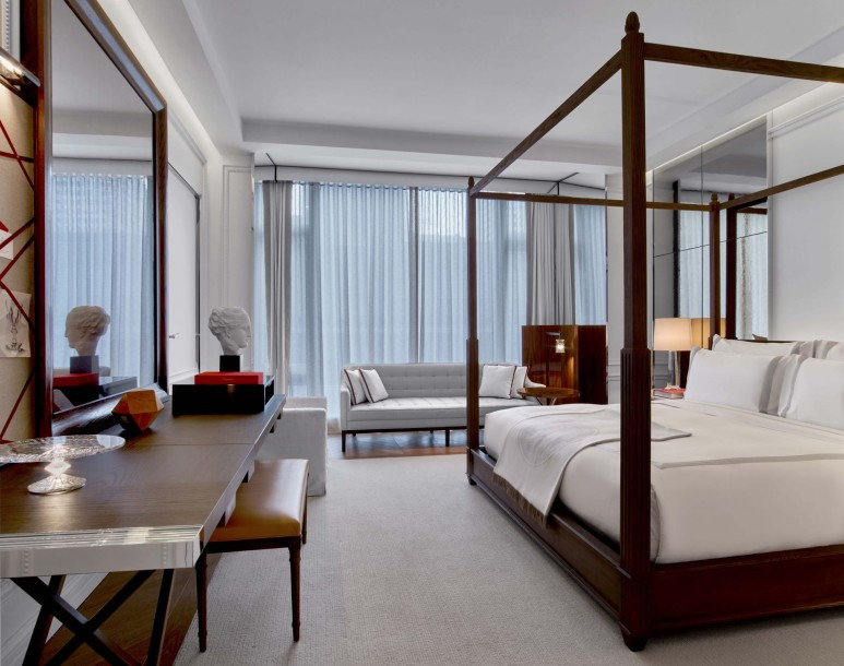 Baccarat Hotel & Residences New York_Grand Classic King (2)