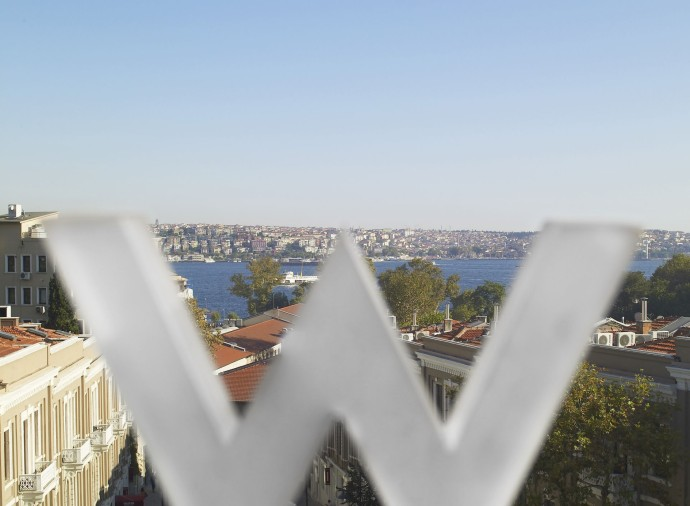 W Istanbul who3028ed-127579-Bosphorus view Detail