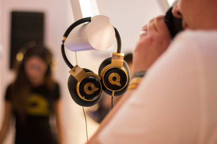 AKG-N90Q-Headphones-at-NYC-HARMAN-Store
