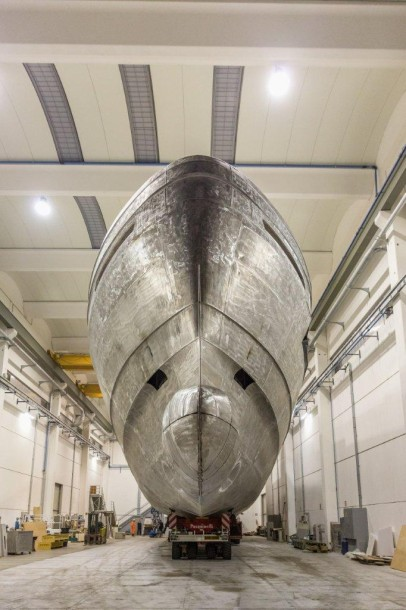 Construction Wider 165 Yacht