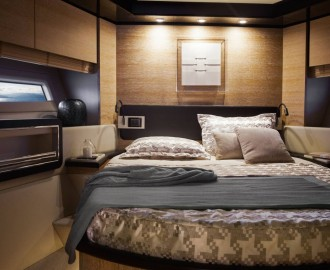 Yacht Azimut 72 Flybridge vip_cabin_decapè_oak_version