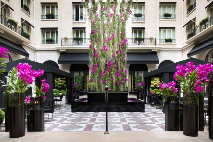 Four seasons hotel George V Marble Courtyard