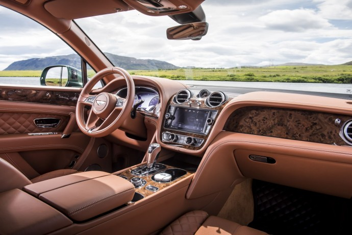 Bentley Bentayga Fly Fishing by Mulliner – The Ultimate Angling Accessory  (2)