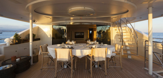 sibelle-deck-dining