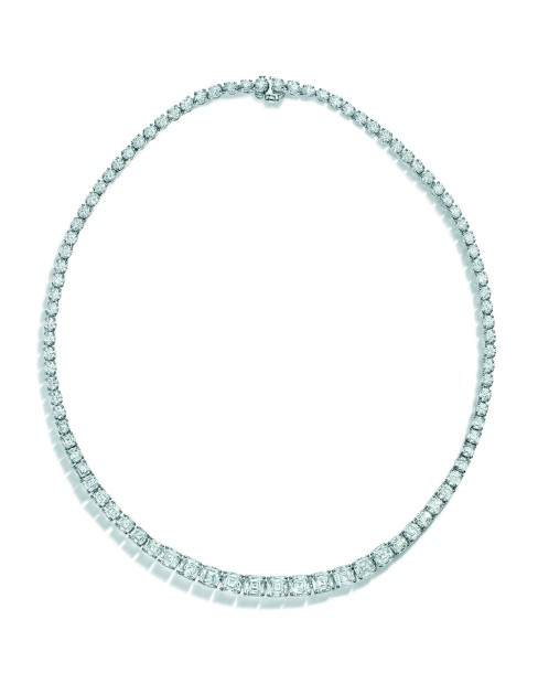 Tiffany Masterpieces 2016 bague rose collier diamants simple