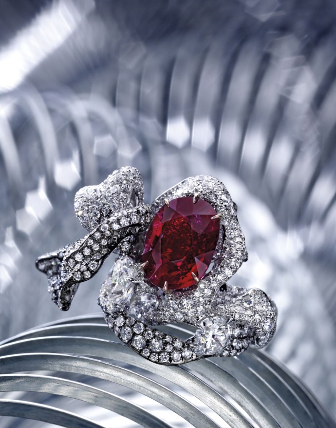 cindy-chao-the-art-jewel_ruby-ribbon-ring_sothebys1