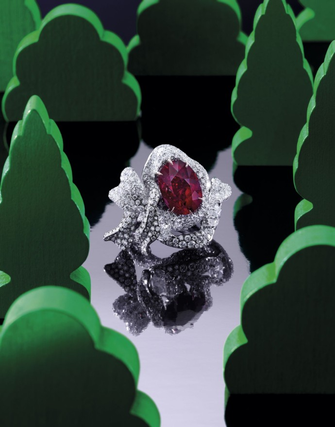 cindy-chao-the-art-jewel_ruby-ribbon-ring_sothebys2