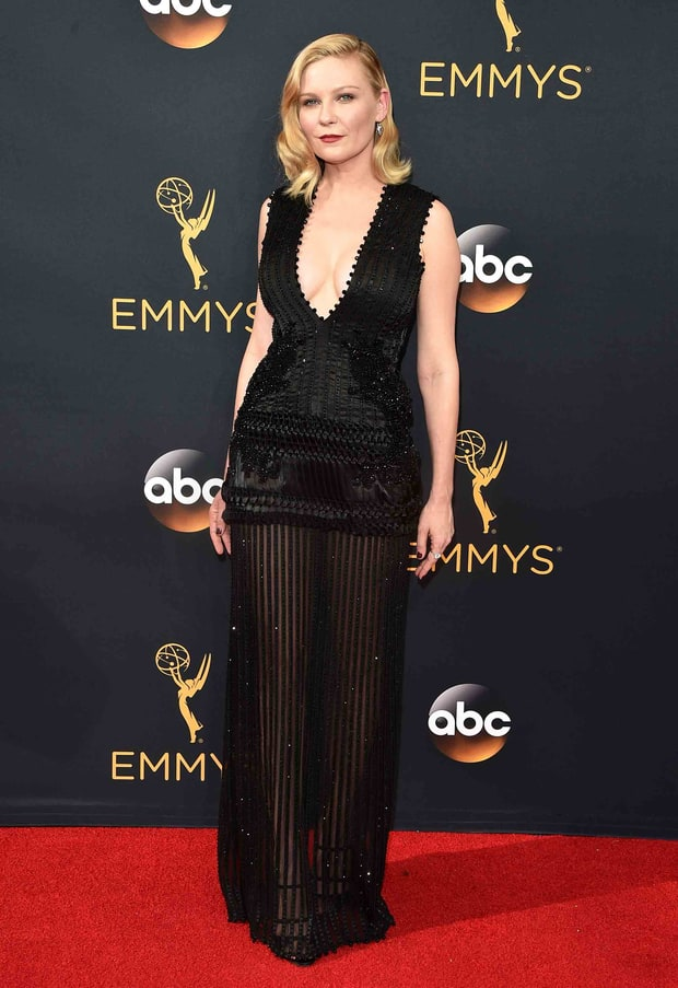kirsten-dunst-givenchy-haute-couture-emmy-awards