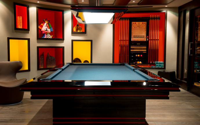 luxury-art-chalet-game-room