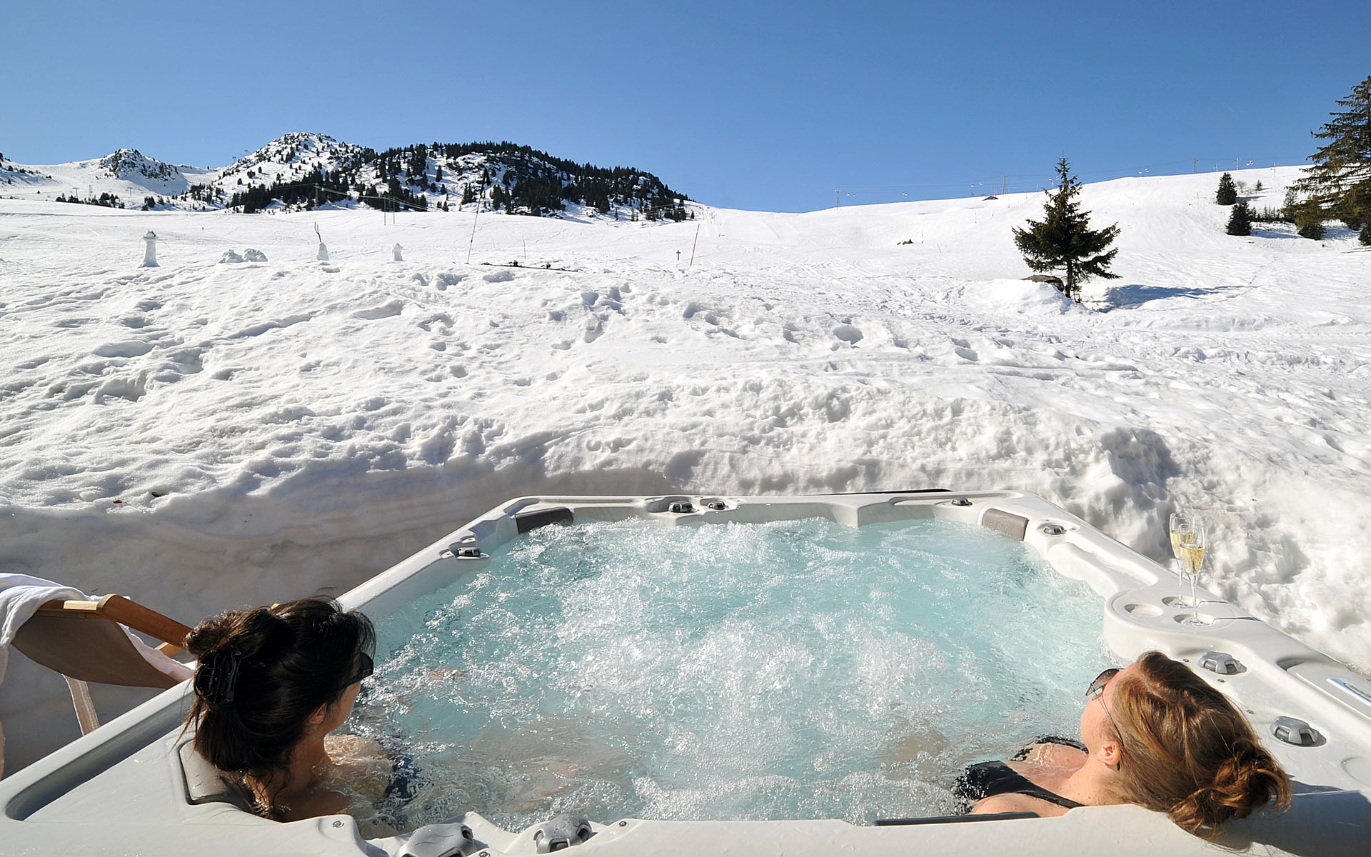 how to clean a hot tub in winter