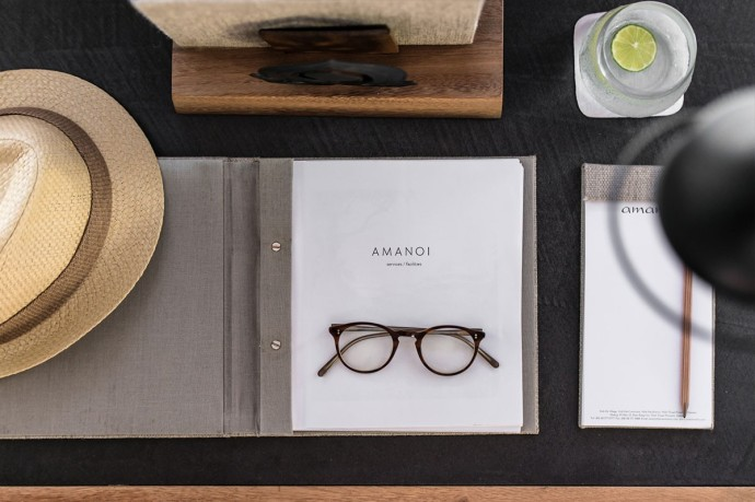 landscape-amanoi-writing-desk