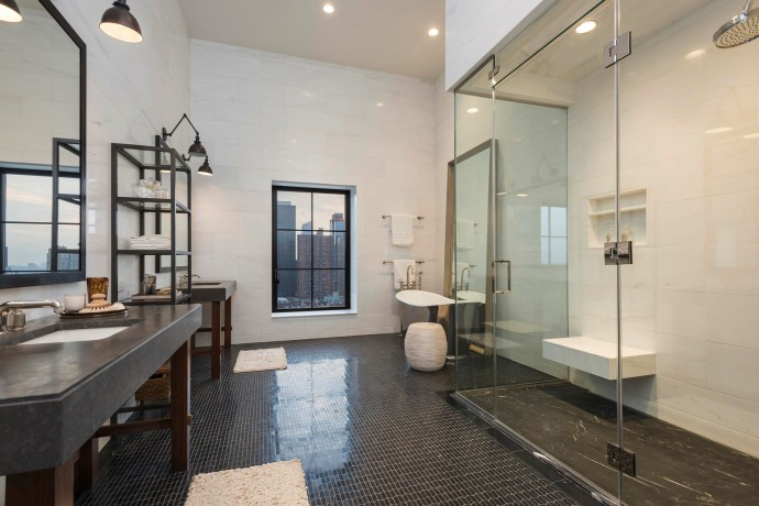 penthouse new york bathroom 425 West 50th Street-10