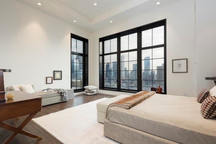 penthouse new york bed 425 West 50th Street-5
