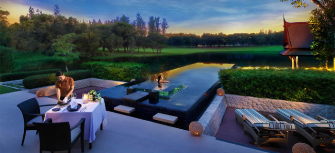 Thailand-Phuket-Banyan-Tree-Pool-villa-dinner