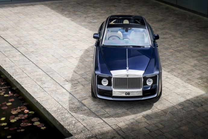 Rolls-Royce Sweptail face