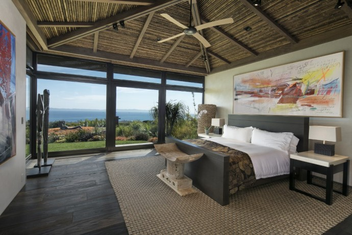 CONTEMPORARY BALINESE-STYLE ESTATE villa bedroom