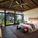 CONTEMPORARY BALINESE-STYLE ESTATE villa room