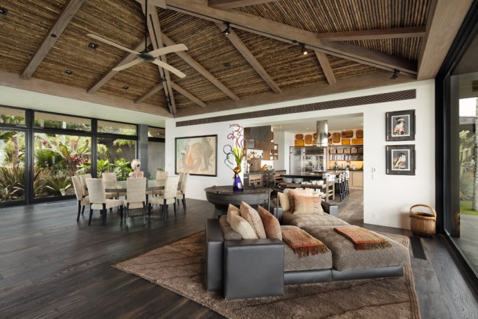 ONTEMPORARY BALINESE-STYLE ESTATE villa salon