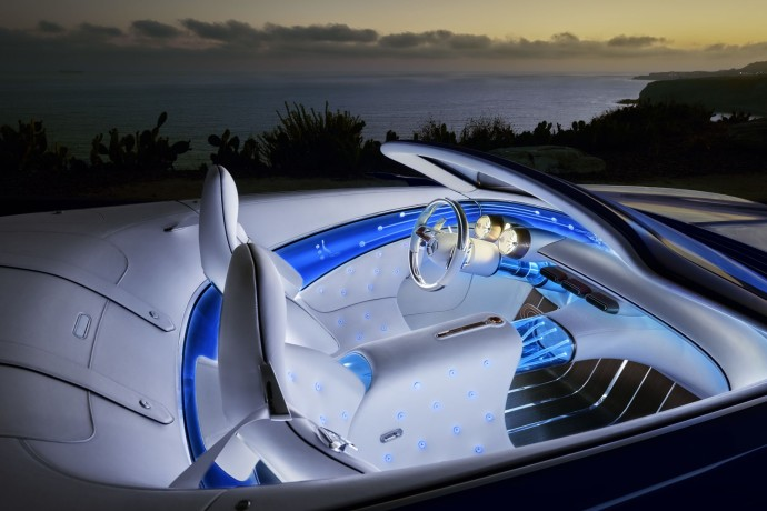 Vision Mercedes-Maybach 6 blue light