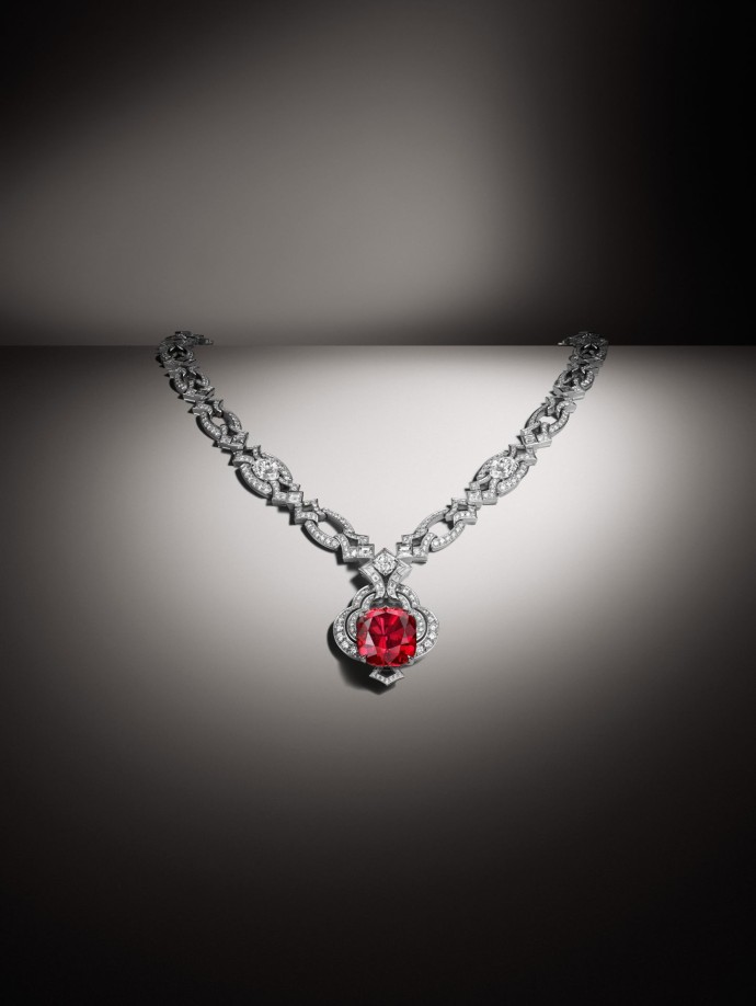 LV - Haute Joaillerie - Vendome Maison Opening - Spinel Necklace ∏Louis Vuitton Malletier Philippe Lacombe