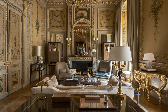 RWCRI_Suite-Duc-de-Crillon-209-living-room