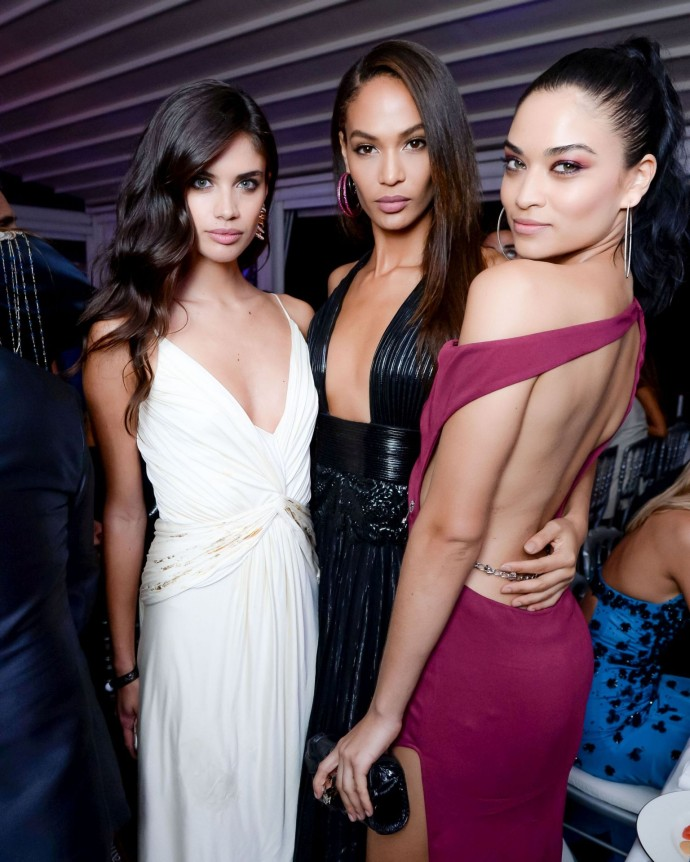 photo 11 - Sara Sampaio- Joan Smalls - Shanina Shaik