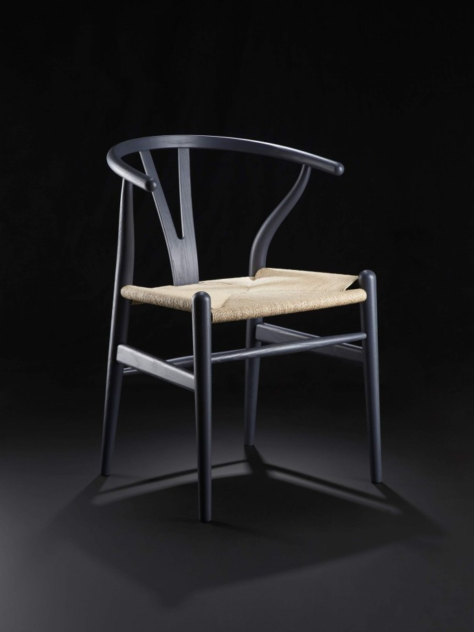 1260649_Exclusive CH24 Wishbone Chair_Indigo Edition_Carl Hansen & Son X The Conran Shop_2