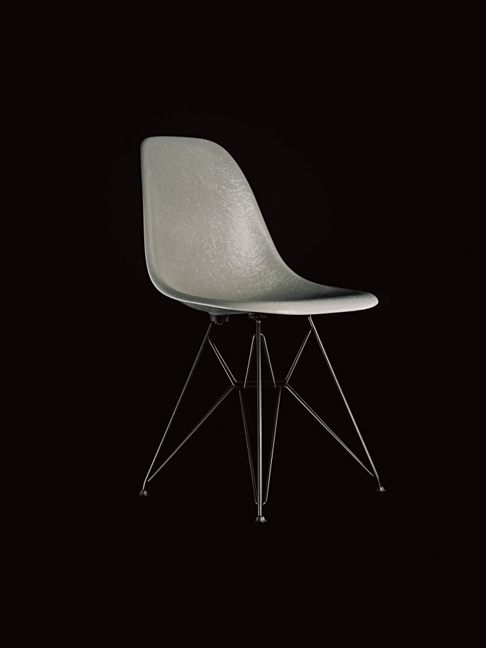 Eames Fiberglass Chair_Elephant Hide Grey