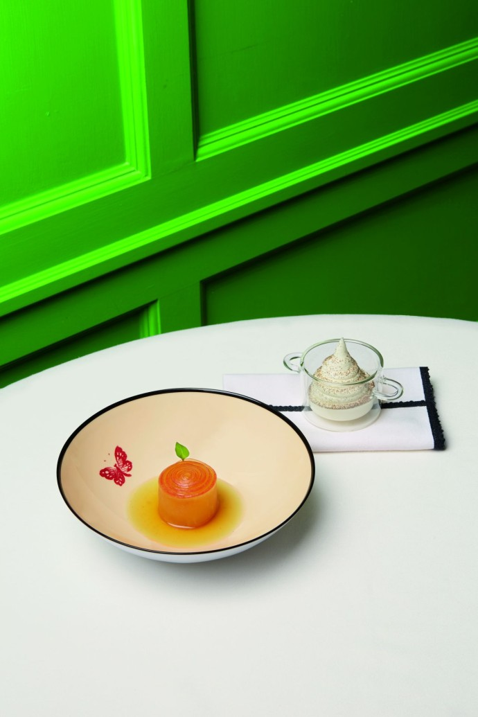 GUCCI OSTERIA_The Forbidden Apple