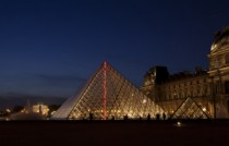 FIAC Paris cl---sous-le-plus-grand-chapiteau-du-monde-louvre---photo.-fabrice-seixas