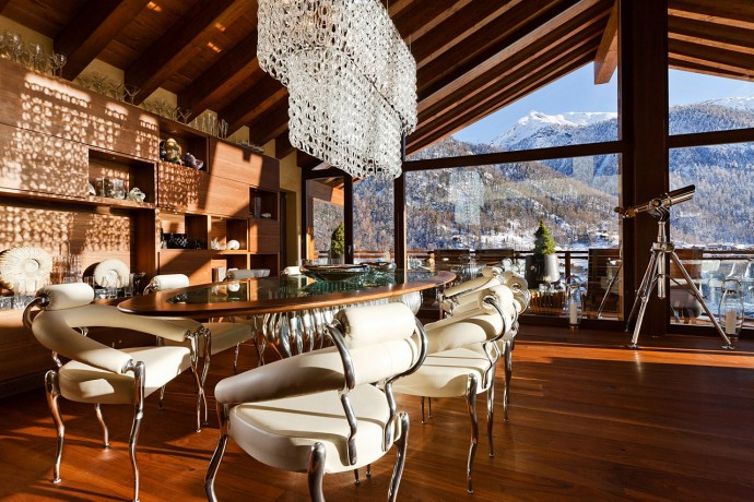 Table Lounge for 12 persons Chalet Zermatt