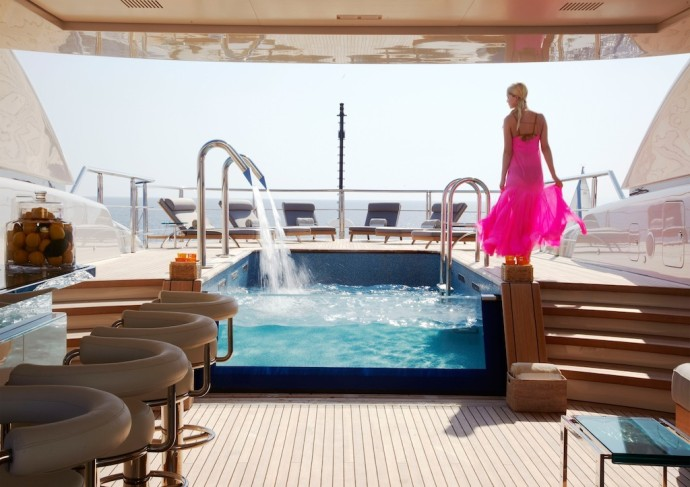 70m superyacht Numptia pool